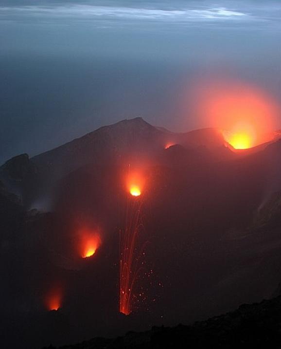 rozmiestnenie_kráterov_-_z_tohto_miesta_sme_sa_pozerali_až_v_tme_(net)