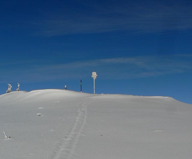 modrobiely-skialpovy-den-na-hrebeni-malej-fatry