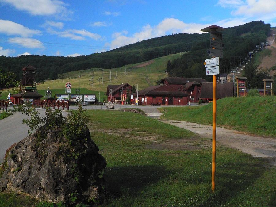 pred-malofatranskou-stovkou-valcianska-a-slovianska-dolina-odbocka-z-hrebena-