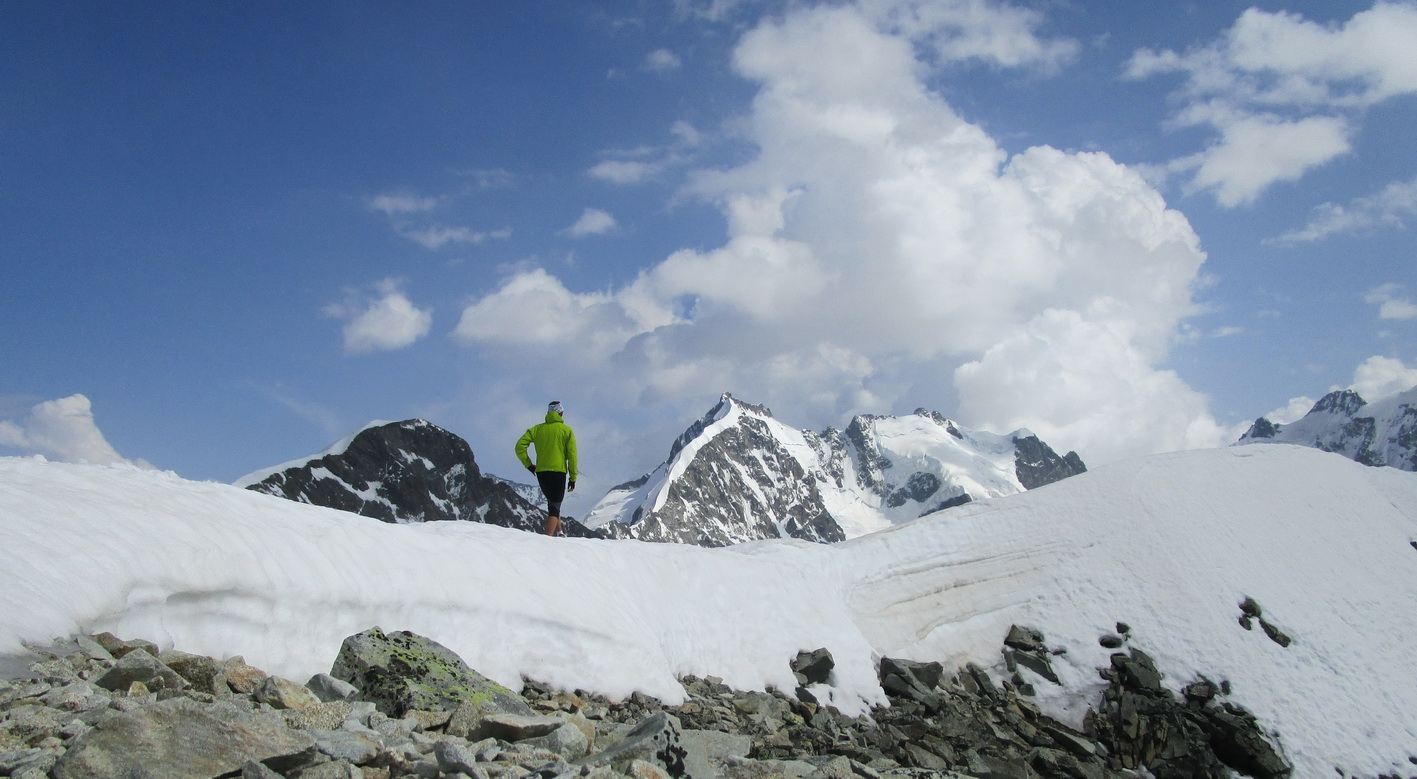 výhľady_na_vrchole,_v_pozadí_Bernina