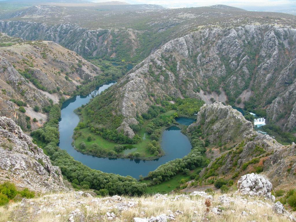 chorvatske-zakutia-sutok-riek-krupy-a-zrmanje