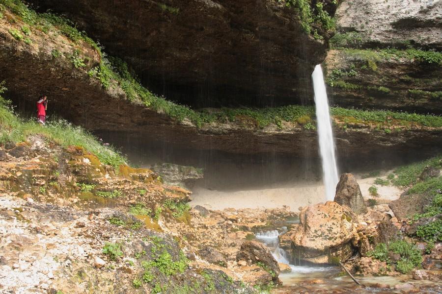julske-alpy-vodopad-pericnik