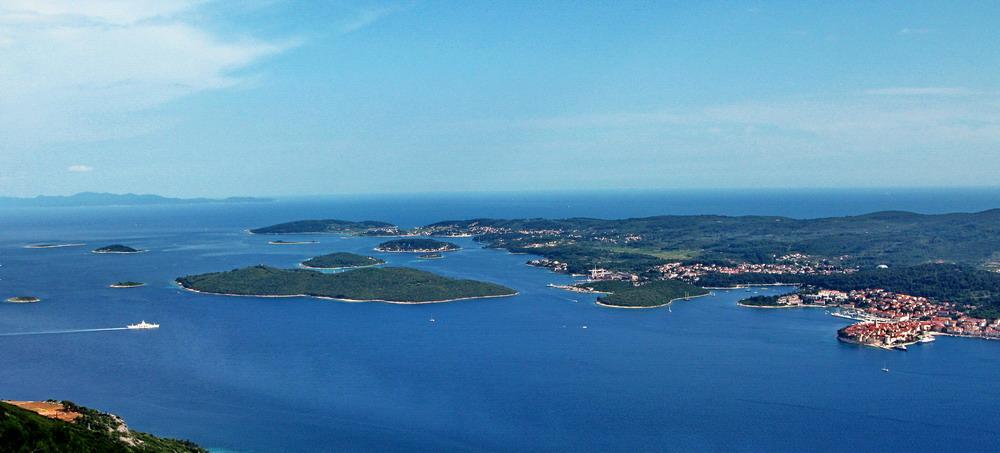 Ostrovčeky medzi Korčulou a Pelješacom.