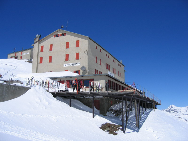 rifugio-gianni-casati-3254m-