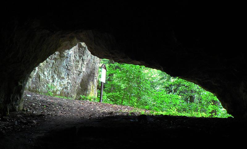 jaskyne-kaplnka-a-netopieria-nad-banskou-bystricou
